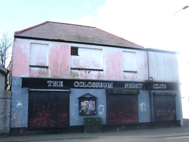 A close-up of the now derelict Colosseum Nightclub at Kingsland, Holyhead 19th March 2006