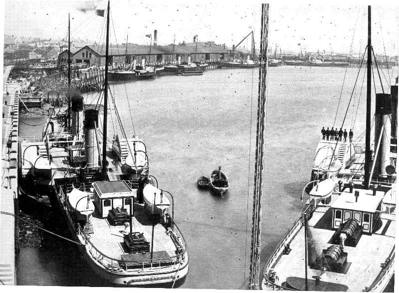 Mailboats in the inner harbour - The Earl Spencer on the left