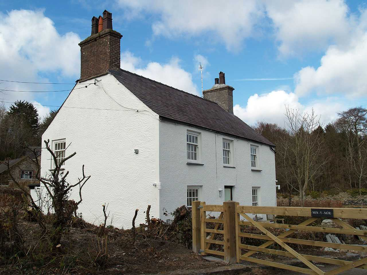 Llanfair Pwllgwyngyll, Min-Y-Mor, Pwll Fanogl, the former home of Sir Kyffin Williams