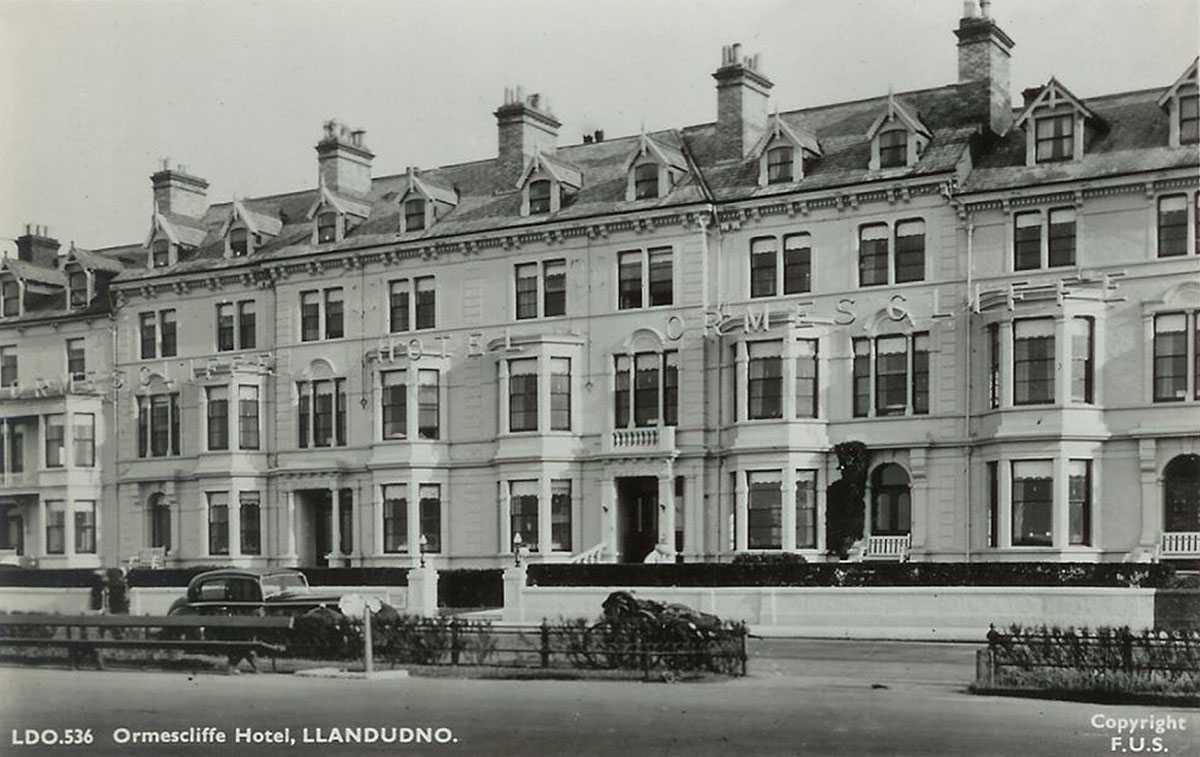 llandudno, ormescliffe hotel in the 1950's - showing classic car
