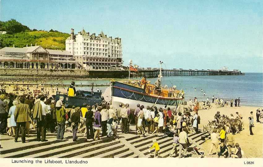 llandundo lifeboat launching in the 1960's