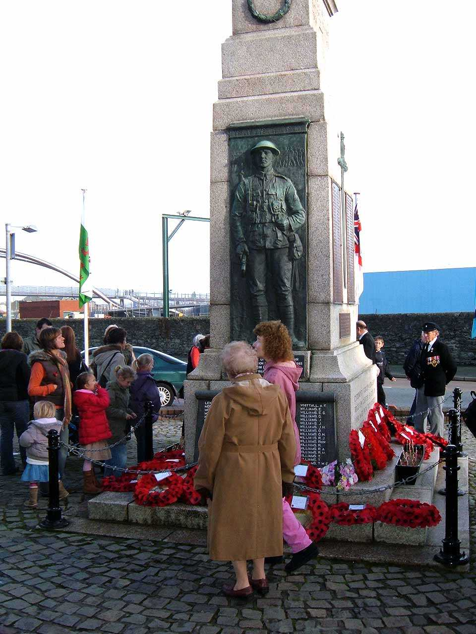 Anglesey, Holyhead, Remembrance Sunday 2006 - Around the Cenotaph