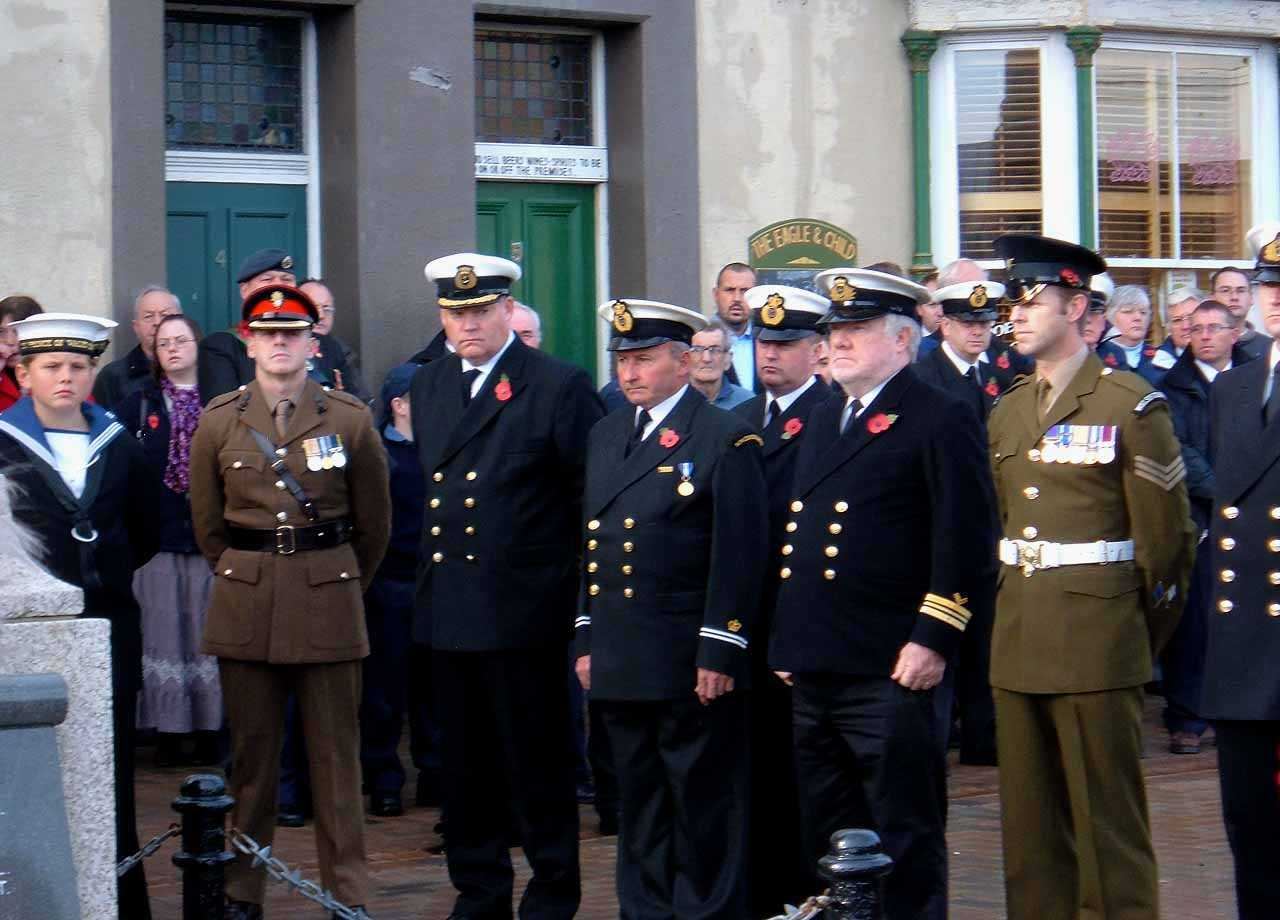 Anglesey, Holyhead, Remembrance Sunday 2006 - Coastguards, Sea Cadets and Sergeant Andy Williams Welsh Guards
