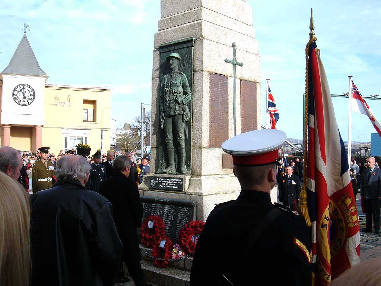 Anglesey, Holyhead, Remembrance Sunday 2006 - Uniformed Men observe 3 minutes silence