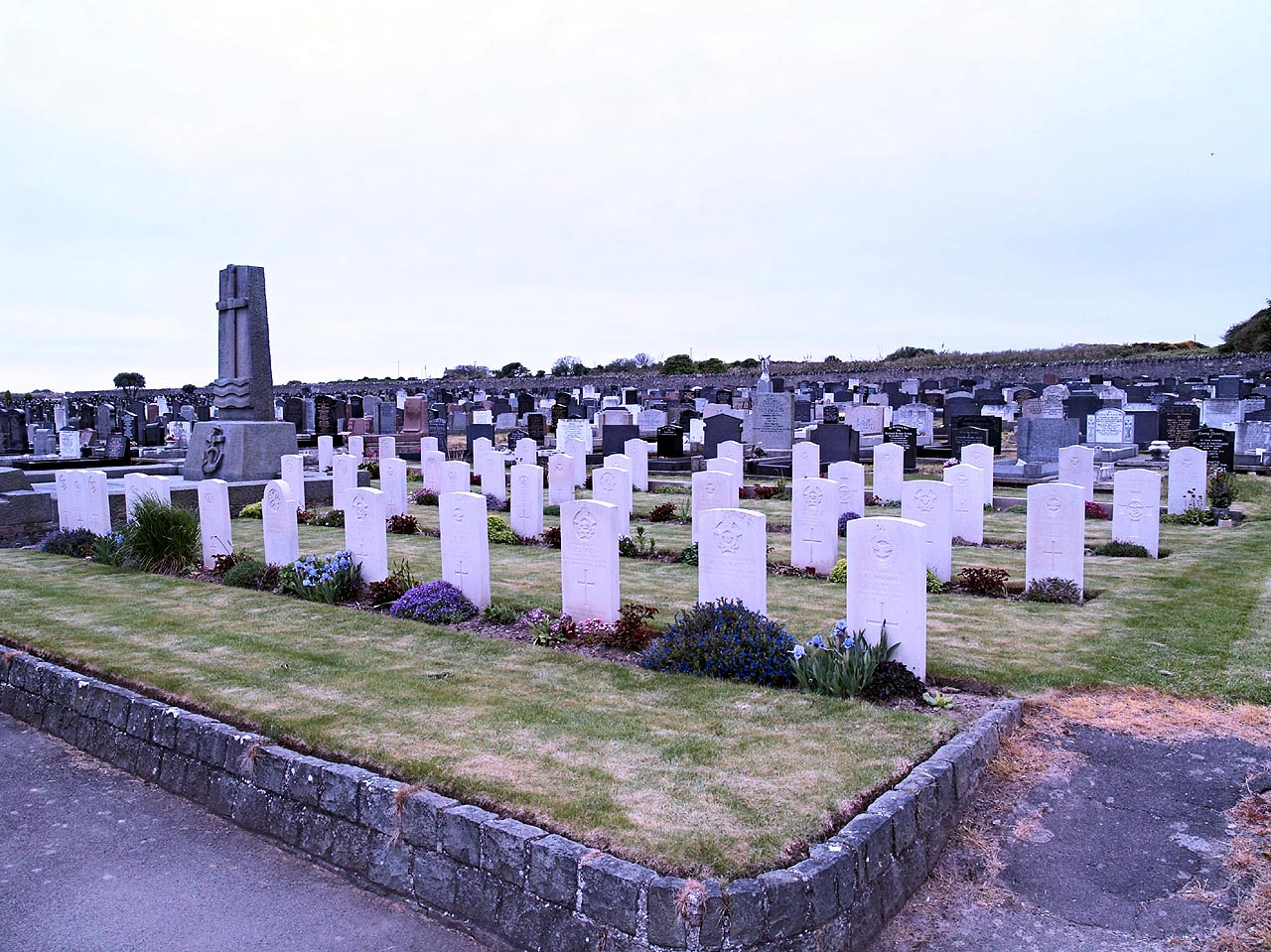 Holyhead, some Commonwealth Graves at Maeshyfryd Cemetery