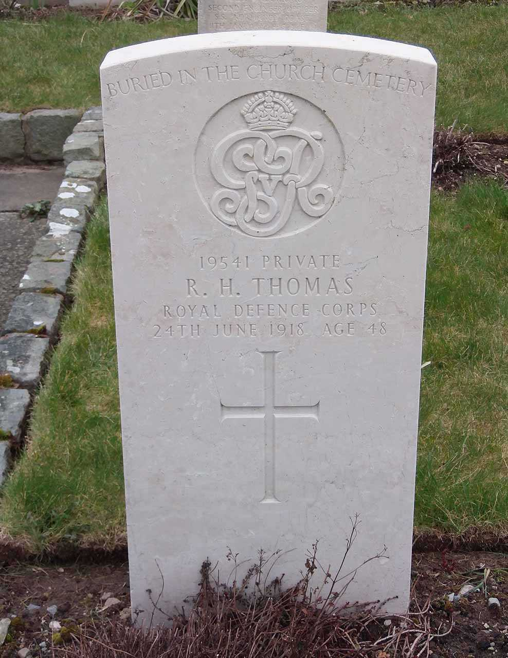 Robert Hush Thomas Royal Defence Corps died in 1918 aged 48
