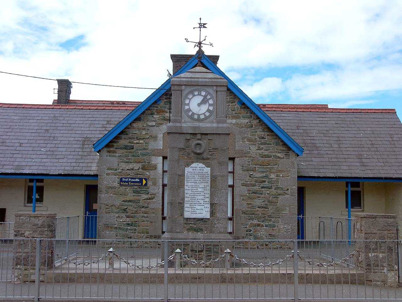Anglesey, Rhosybol WWI War Memorial Clock and School