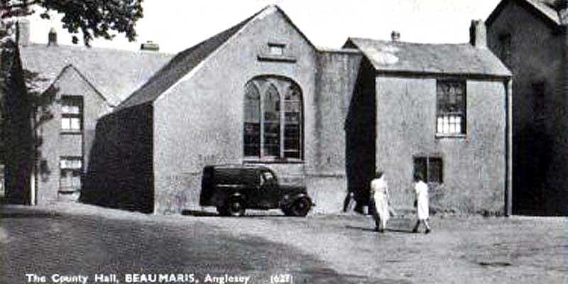 Braumaris-county-hall-postcard